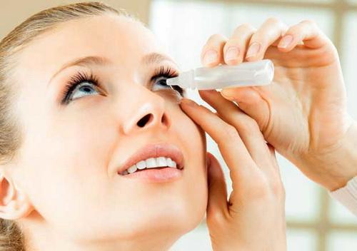 Лечение ячменя на глазу мазями и каплями