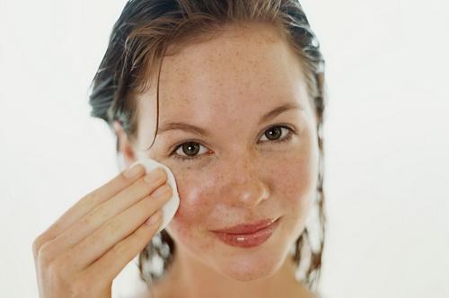 Домашний тоник для лица для жирной кожи