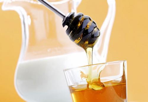 Крем от морщин в домашних условиях с медом и молоком