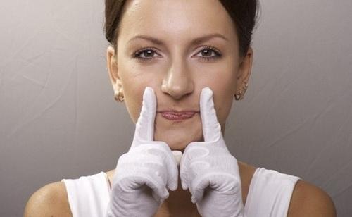 Коррекция носогубных складок в домашних условиях