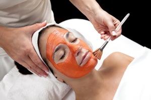 Как применять витамин А для кожи лица: в ампулах, капсулах, продуктах