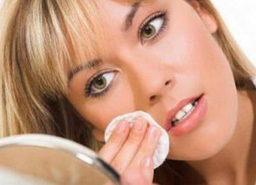 Камфорное масло: применение для лица