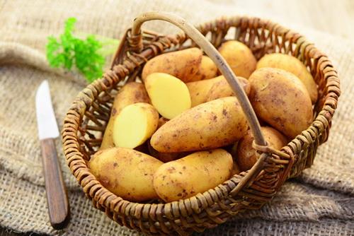 Маска для лица из сырого картофеля. Преимущества и недостатки