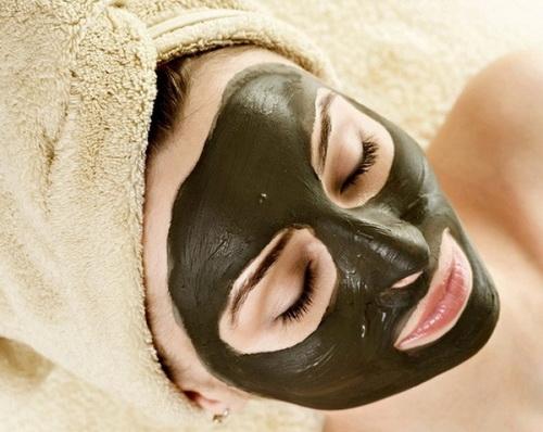 Чёрная глина маска для лица