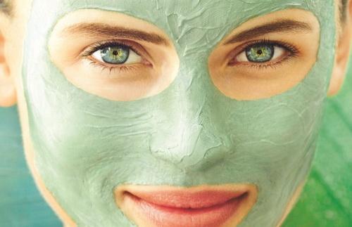 Зеленая глина для лица: полезные свойства