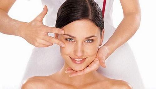 Классический массаж лица: техника выполнения