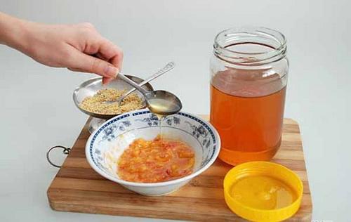 Приготовление маски из персиков