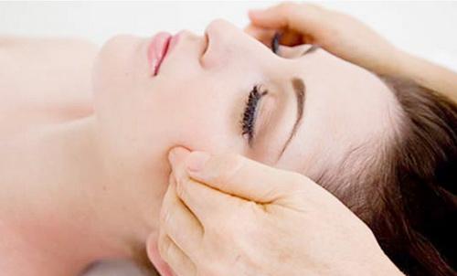 Как делать точечный массаж лица