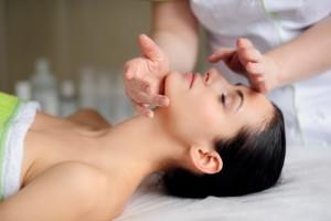 Марокканский массаж лица: эффективность, техника, противопоказания