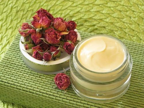 Рецепты домашнего крема для лица своими руками