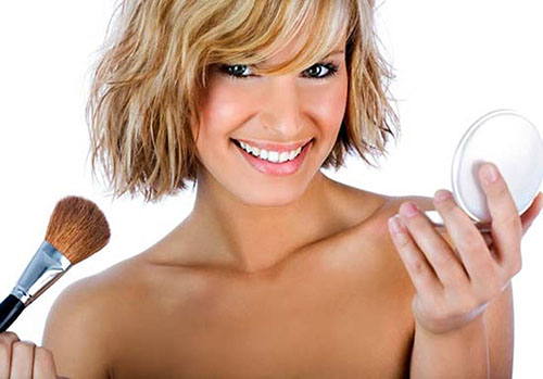 Нанесение крем-пудры для лица