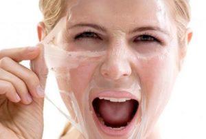 Как избавиться от черных точек на лице: аптечные и народные средства, салонные процедуры