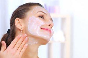 Постпилинговый уход: как правильно ухаживать за кожей лица после различных пилингов