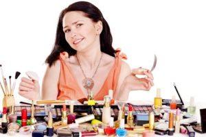 Необходимые и профессиональные средства для макияжа лица: списки, рейтинги, описания