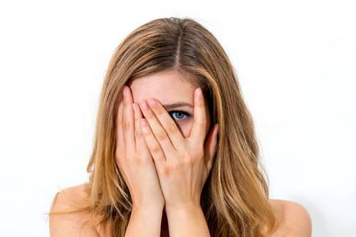 Ошибки в макияже серых глаз
