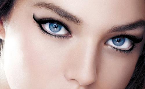 Макияж в восточном стиле для голубых глаз