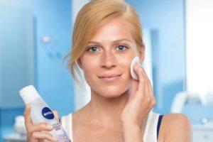 Тоники для лица как основной этап ухода за любым типом кожи: учимся правильно выбирать и использовать