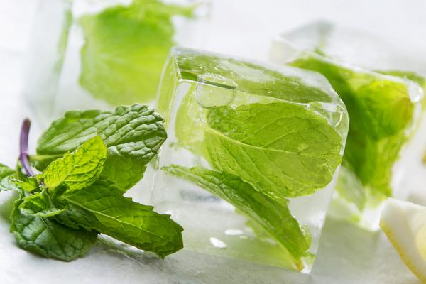 Косметический лёд из мяты
