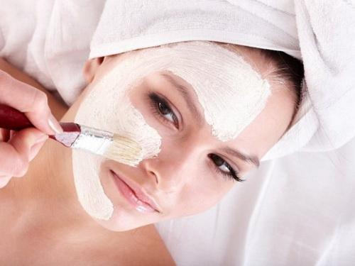 Как отбелить кожу лица в домашних условиях: рецепты различных средств