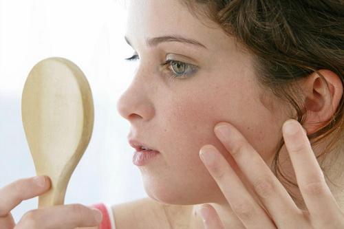 Псориаз на лице: симптомы и лечение в домашних условиях