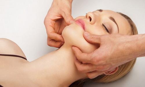Классический массаж с одной девушкой индивидуалки старше 40 лет москва