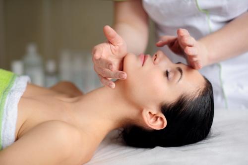 Марокканский массаж лица: описание, противопоказания, эффект