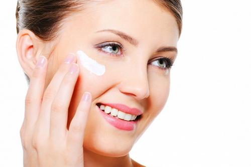 Дневной крем для лица: рейтинг, как пользоваться, приготовление своими руками