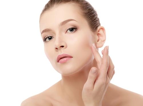 Аптечные кремы для лица: преимущества, советы по выбору, рейтинг