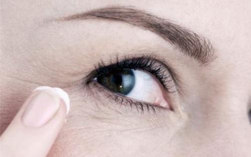 Крем для кожи вокруг глаз: состав, как наносить, рейтинг, рецепты