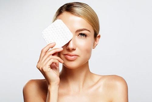 Жирный блеск на лице: причины, как избавиться в домашних условиях