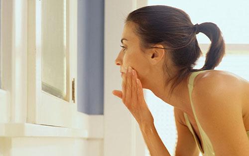 Пантенол для лица (крем, мазь, спрей): действие на кожу, показания