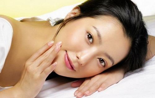 Китайская косметика для лица: от морщин, отбеливающая, с гиалуроновой кислотой