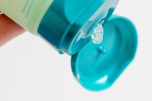 Гель-пилинг для очищения лица: обзор средств от популярных брендов