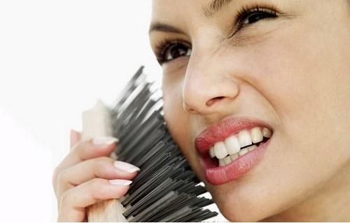 Сухой пилинг для лица: очищаем и омолаживаем кожу в домашних условиях