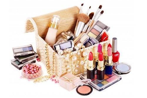 Средства для макияжа лица: список необходимых, рейтинги лучших, описания