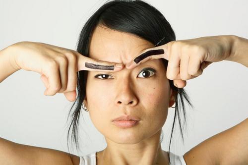 Удаление перманентного макияжа лазером и ремувером: что выбрать и каких ошибок опасаться