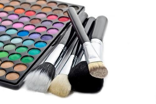 Список инструментов для макияжа