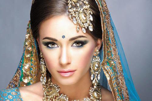Индийский макияж: особенности, средства, техника нанесения