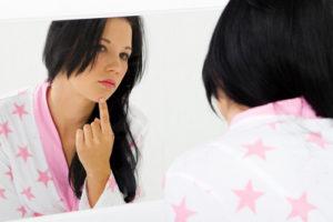 Акне на лице — косметический дефект или серьёзное заболевание: методы борьбы и препараты для лечения