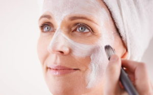 Рецепты масок для лица от морщин после 50 лет в домашних условиях