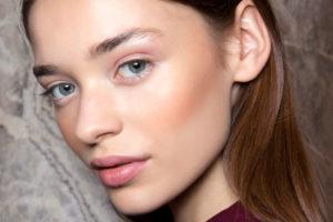 Модные тренды в макияже, стрижках и одежде