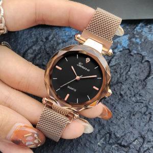Женские часы как символ статуса и неотъемлемый элемент стиля