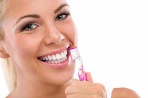 Как сделать улыбку белоснежной в домашних условиях?